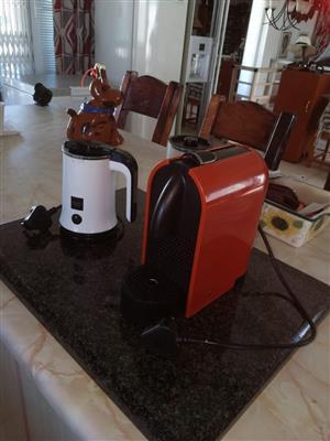 Nespresso en frother for sale