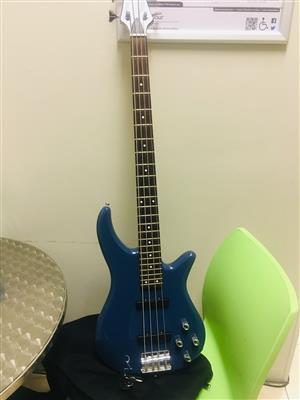 Cruiser by crafter bass guitar