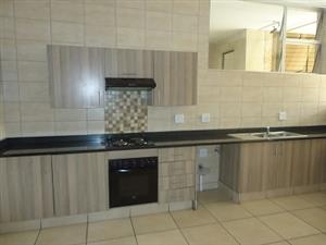Spacious 2 Bed Apartment to rent in Florida, West Rand