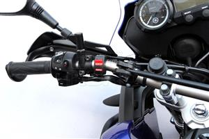 Yamaha XT660 Light switch or Flicker switch For Sale. Fits all models. The Handle bar switch is in very Good Condition. Just The Pass light function and Hazard function on the switch is not working, otherwise its working 100%. The  Switch is still on the bike for demo purpose.
