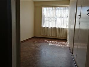 A big room is opened for rent in Florida Roodeport