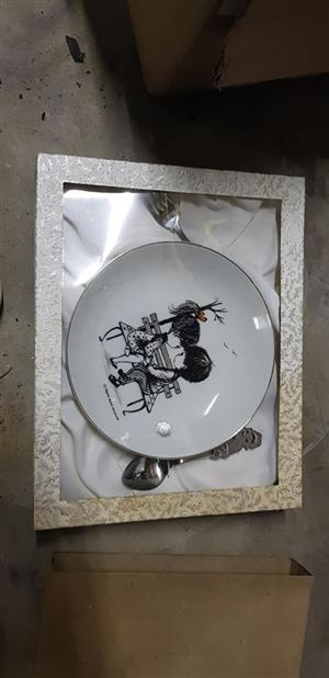 Plate decor wall hanger for sale