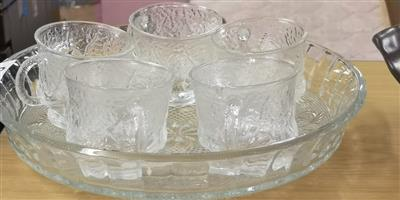 6 Piece glass cup and tray set