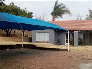 3 BEDROOMS HOUSE FOR SALE HALFWAY GARDENS MIDRAND R1 500 000.00 CALL SOPHY @ 076 081 3571