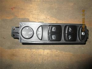 MERCEDES BENZ W639 VITO 4 BUTTON WINDOW SWITCH FOR SALE
