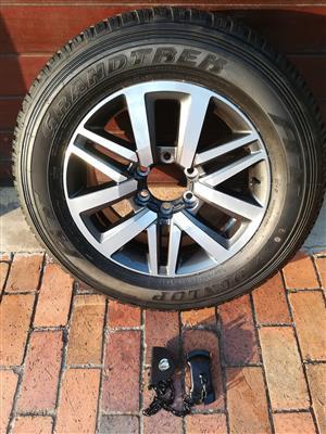 Toyota Fortuner GD-6 18 inch Brand New Spare Wheel Dunlop Grandtrek Tyre and Carrier Mechanism