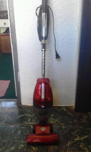 Genesis upright vacuum cleaner