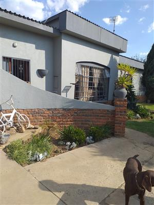 House for sale in Camden Avenue