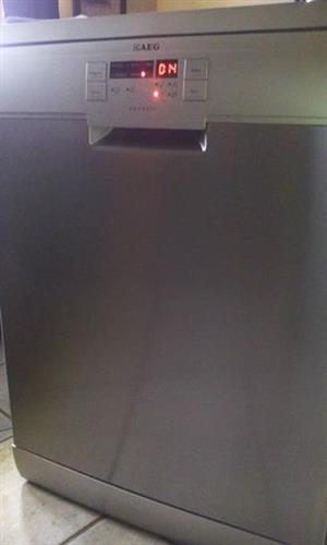 Aeg stainless steel dishwasher in excellent condition for sale