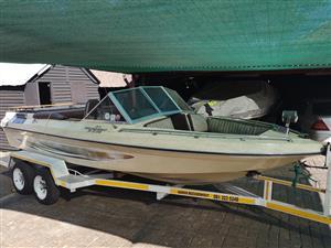 Bostonian 1800 V 8 Inboard