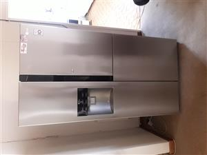 LG Side by side Fridge/freezer 614L (GR-J237JSNN)
