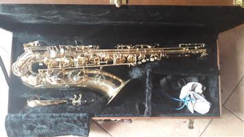 URGENT SALE B-flat Tenor Saxophone