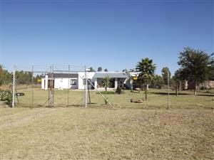 2 House on Smallholding For Sale, Lusthof