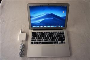 Apple Macbook Air 13 inch 2015 4GB ram 128GB SSD Spotless