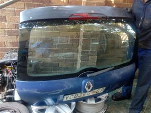 Renault Clio 2 Tail Gate and Bonnet for Sale