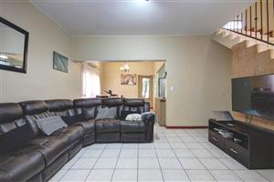 3 Bed Townhouse in popular Kavira Lodge - Olivedale