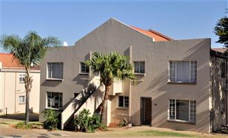 AVAILABLE IMMEDIATELY: Unfurnished 2 Bedroom Apartment in The Shades, Pretoria East.