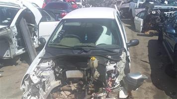 Renault Clio Mk1 Stripping