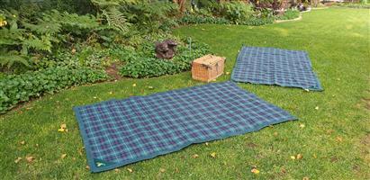 Picnic Basked & Blankets Set