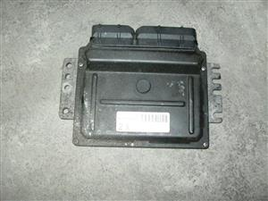 2005 Nissan X-Trail 2.0 Computer box