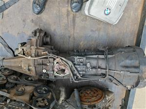 Selling navhara yd 25 4by 4 gearbox