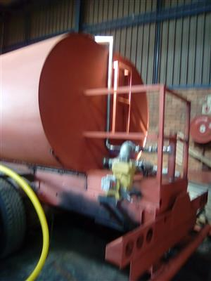 IMMACULATE WATER TANKER AT AFFORDABLE PRICE CALL US NOW 0119141035/0635408390