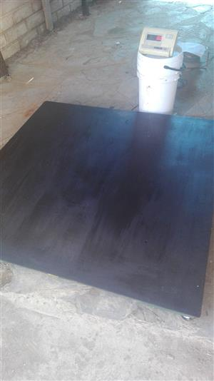 Scale, Floor scale, 1.5 m by 1.5 m