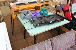 Table,indoor griller and 3 sets of weights