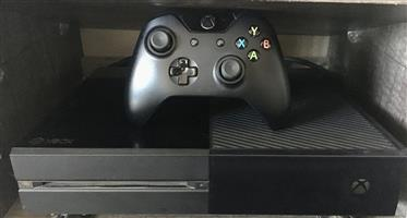 Xbox one with one remote excellent condition w
