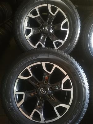 Set 18 inch Toyota Hilux Legend 50 Original Mags with Tyres