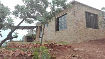 1 Bed room, 1 bathroom, a bachelor's unit with scenic views on a plot located near Pecanwood Golf Estate