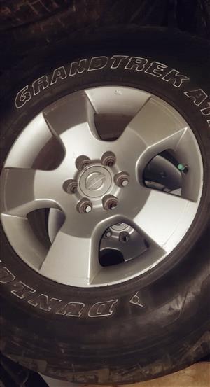 16' Nissan navara mags