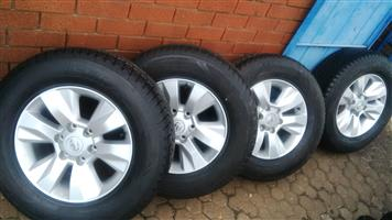 HILUX TOYOTA 17 MAGS AND NEW TYRES 265/65/17 SET R8999 set combo can also fit on old models 6x139 pcd,