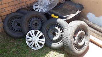 Datsun Go Rims with Wheelcaps