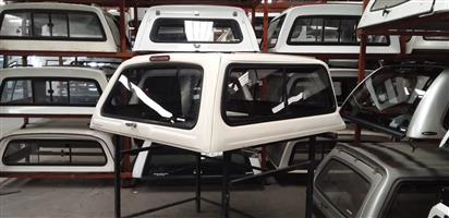 6195 Toyota Hilux 1999 - 2005 DC White Beekman Canopy