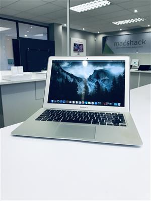 Apple MacBook Air 13-inch 1.8GHz Dual-Core i5 (128GB, Silver) - Pre Owned