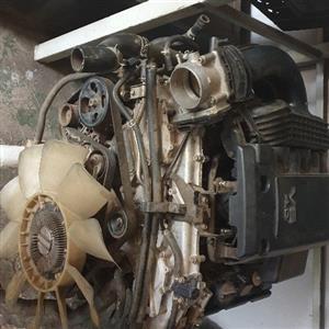 navara 4l v6 engine spares