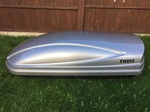 Thule atlantis roof box, great condition, silver and black.