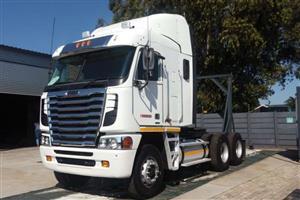 Freighliner Argosy isx 500