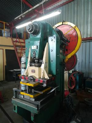 80 ton WMW eccentric press for sale