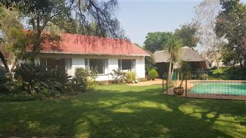Wendywood - Fully furnished 1 bedroom 1 bathroom cottage available R9500