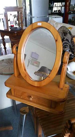 Small desktop dresser