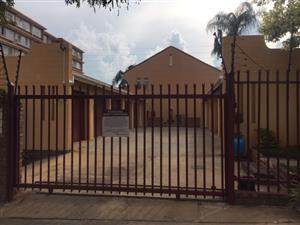 Duplex flat 9th Ave Wonderboom South Private sale offers welcome