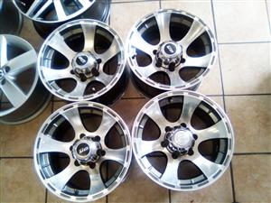 15 inch bakkie/SUV mags 6x139 pcd