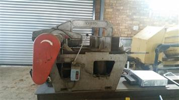 Industrial steel saw machine for sale, used for sale  Delmas