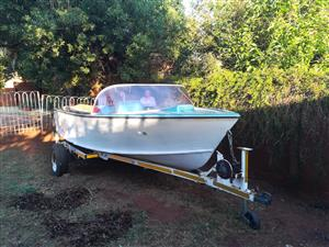V8 inboard project boat