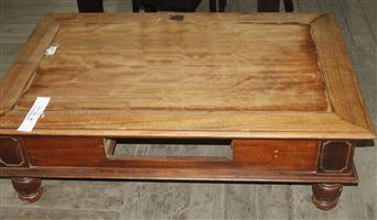Brown coffee table S037169B #Rosettenvillepawnshop