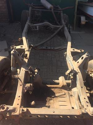 TOYOTA LAND CRUISER SUSPENSION PART FOR SALE. FRONT LOCK DIFF REAR DIFF 4X4 GEARBOX.