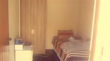NEAT ROOM TO RENT IN A HOUSE  IN PAROW