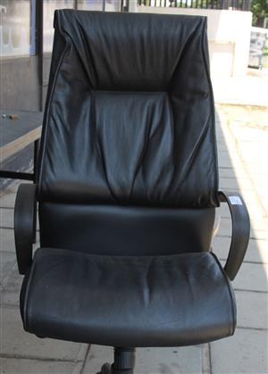 Black leather office chair S032868A #Rosettenvillepawnshop
